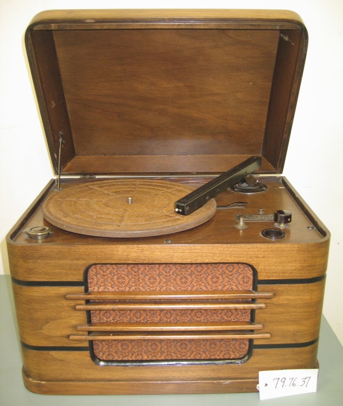 14. First Hi-Fi table top 1937