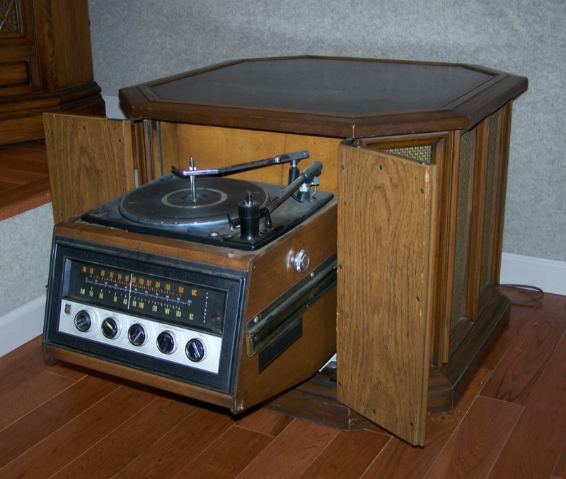 1971 Speaker Table