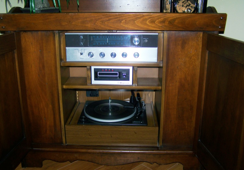 1974 AM/FM Radio, Record Changer and 8-Track